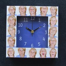 Horloge personnalisée 16 collages cadran bleu