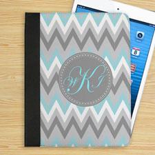 Étui folio monogrammé personnalisé chevorn zigzag turquoise blanc gris personnalisé